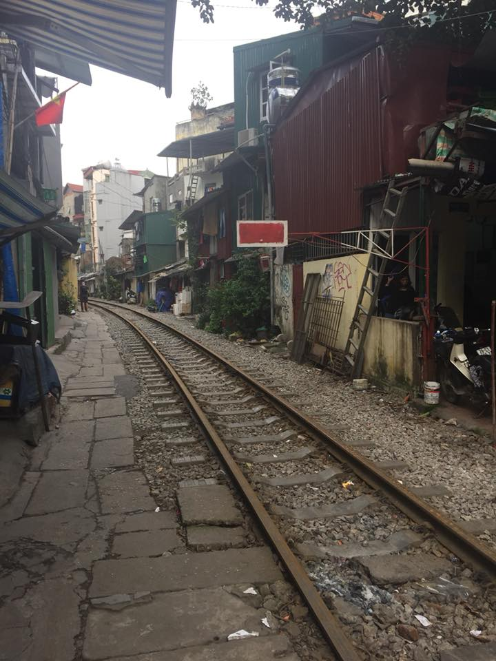 guide to hanoi train street